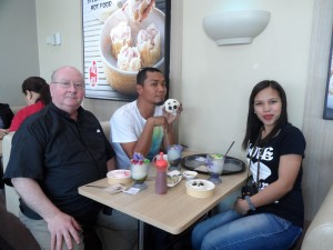 Snacks at Chowking with Gideon and Flora (3)