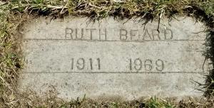 Ruth Beard's grave (1)